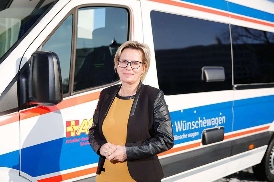 """Übernahm die Schirmherrschaft für den """"Wünschewagen"""": Sozialministerin  Barbara Klepsch (51, CDU)."""