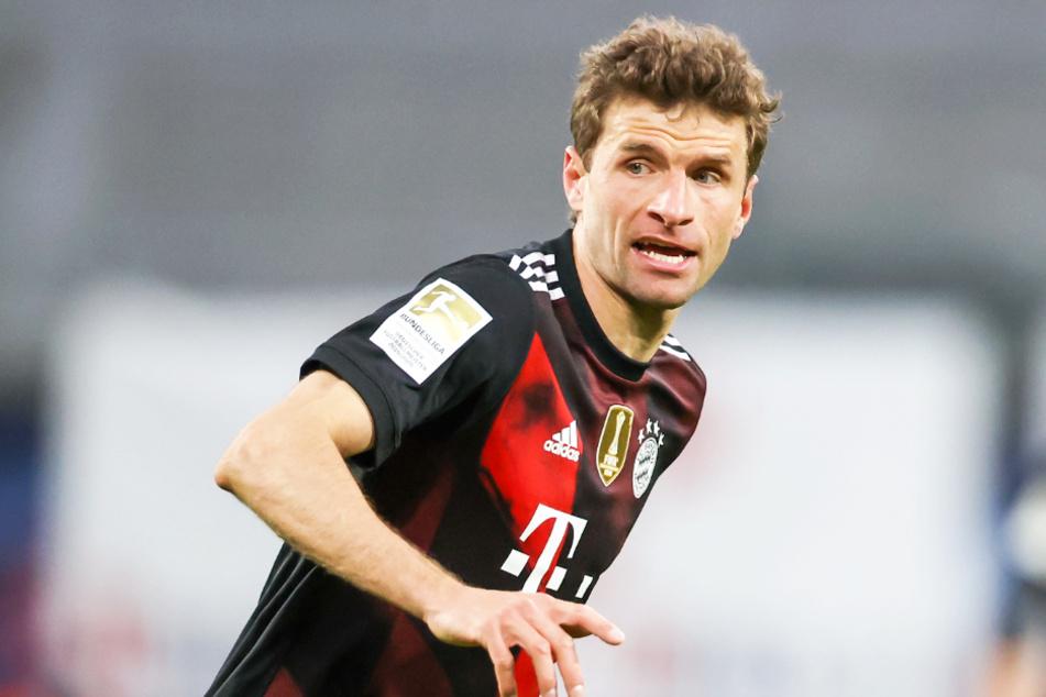 Thomas Müller (31) will mit dem FC Bayern München die neunte Meisterschaft in der Bundesliga in Serie perfekt machen.