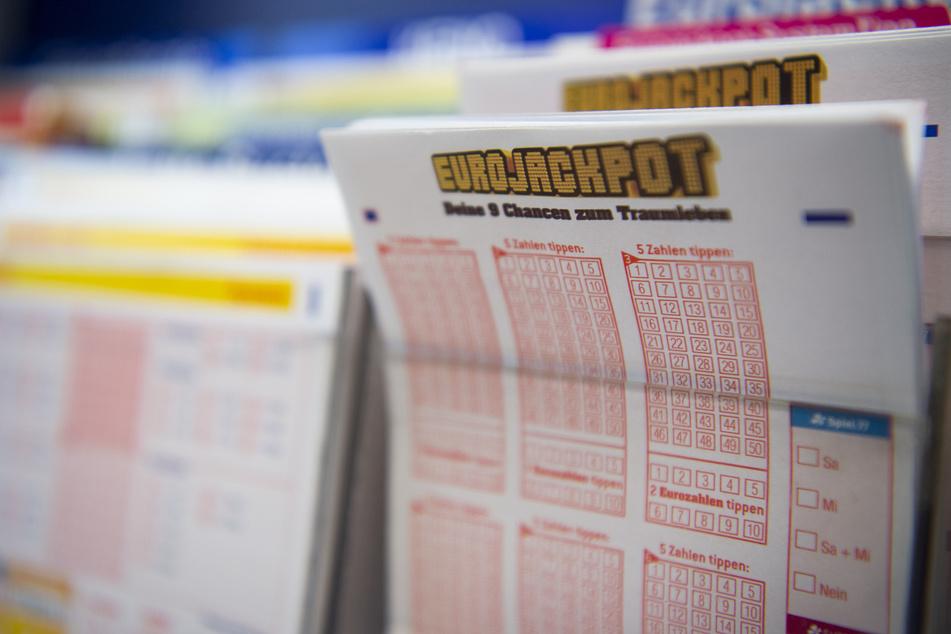 Ein Lottospieler aus dem Harz hat knapp eine Million Euro gewonnen. (Symbolbild)
