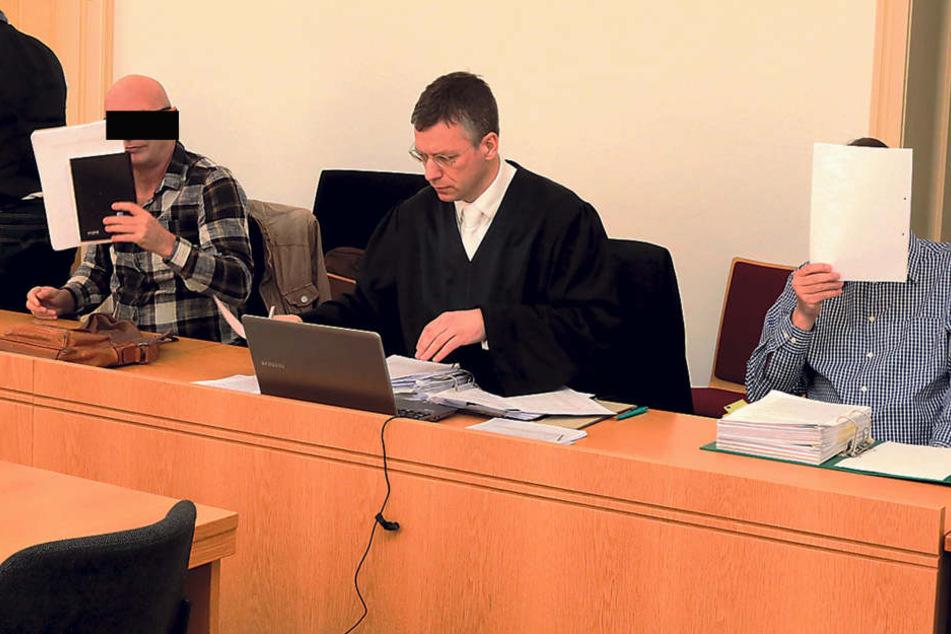 Schuldig: Uwe W. (59, l.) und Tilo V. (58) wurden zu Haftstrafen  verurteilt.