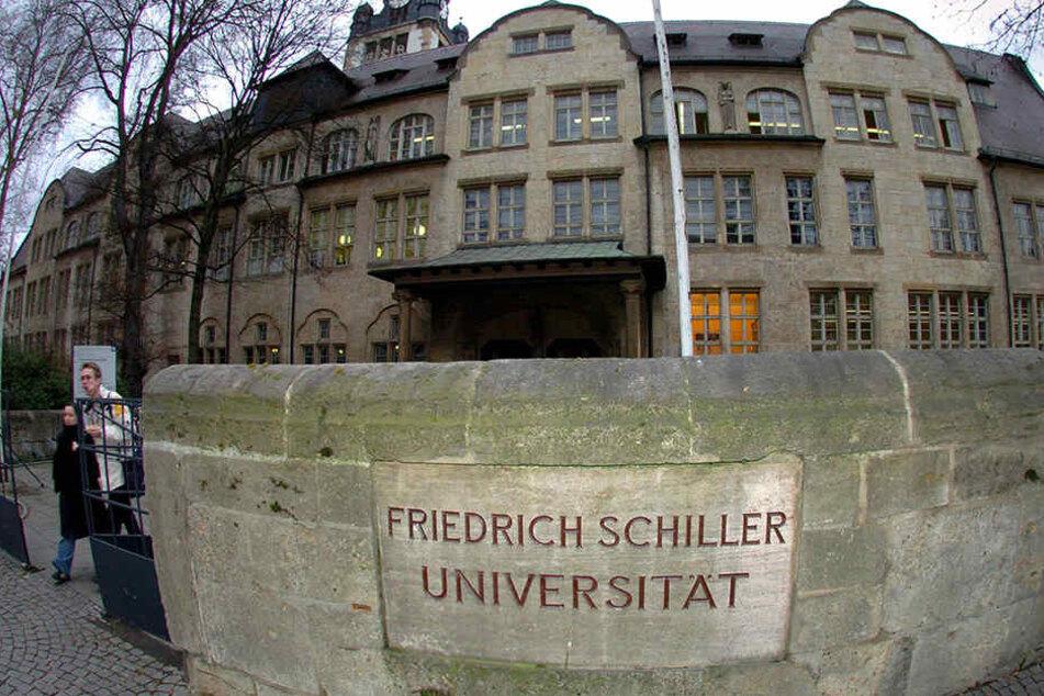 An der Uni Jena studieren nun 26 Geflüchtete.