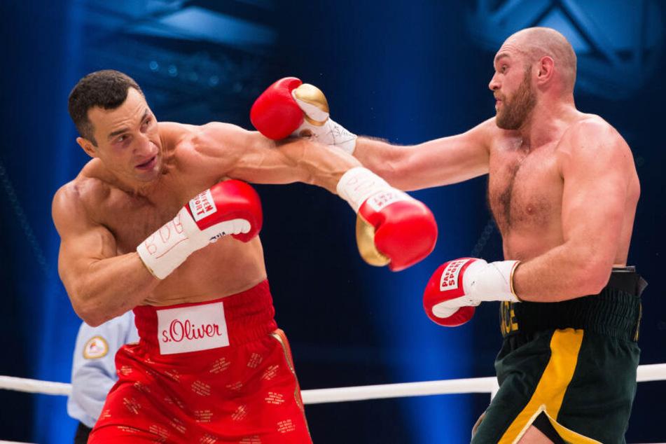Schwergewichts-Weltmeister Tyson Fury (30, r.) hatte im November 2015 Wladimir Klitschko (43) entthront.
