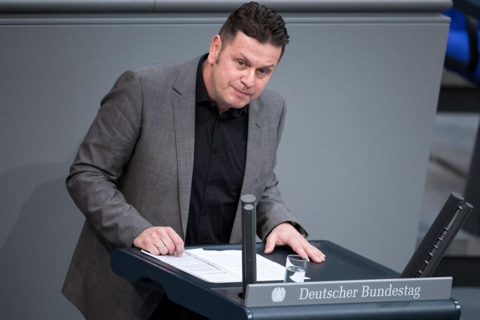 Nach dessen Parteiaustritt will die AfD Sachsen vom Bundestagsabgeordneten Lars Herrmann noch 4500 Euro haben.