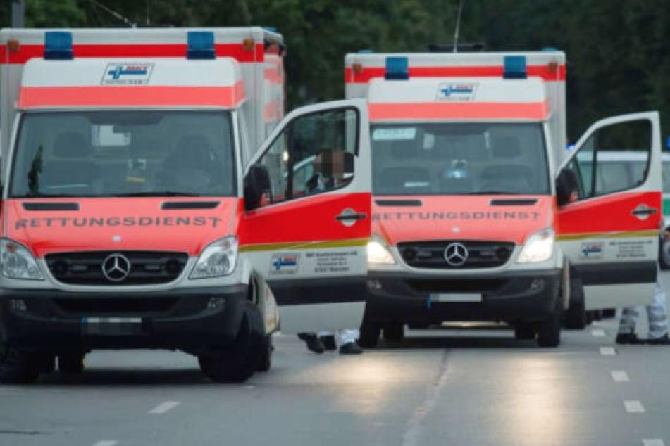 Die 31-Jährige wurde bei der Attacke schwer verletzt und musste zur Behandlung ins Krankenhaus gebracht werden. (Symbolbild)
