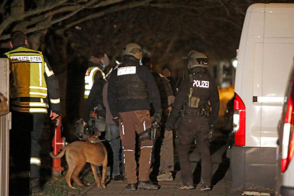 SEK-Einsatz: Mann hantiert mit Gasbrenner herum