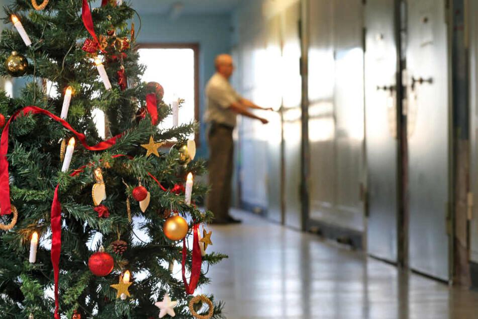 Die Zellen werden zu Weihnachten frühzeitig aufgeschlossen. In Bielefeld durften insgesamt 216 Häftlinge eher gehen.
