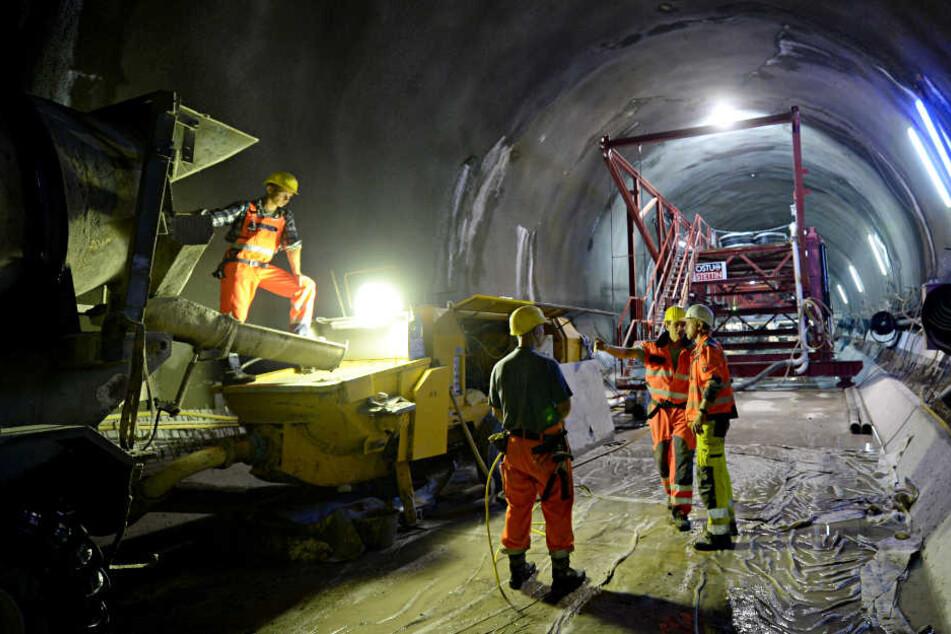 Die Bahn klagt auf Übernahme der Mehrkosten durch ihre Projektpartner.