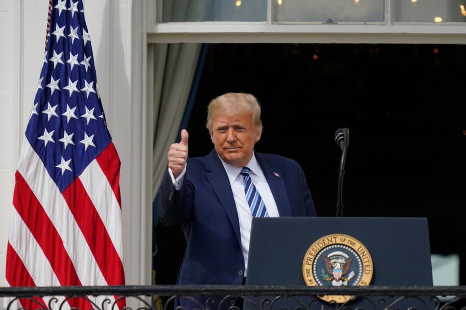 US-Präsident Donald Trump (77) am Samstag auf dem Balkon des Weißen Hauses.