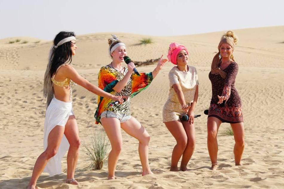 Auftritt im brütend heißen Wüstensand von Dubai: Sophia (2.v.l.) sang am Samstagabend mit Alexandra, Maria und Vivien (v.l.n.r.) im Quartett - zum allerletzten  Mal.