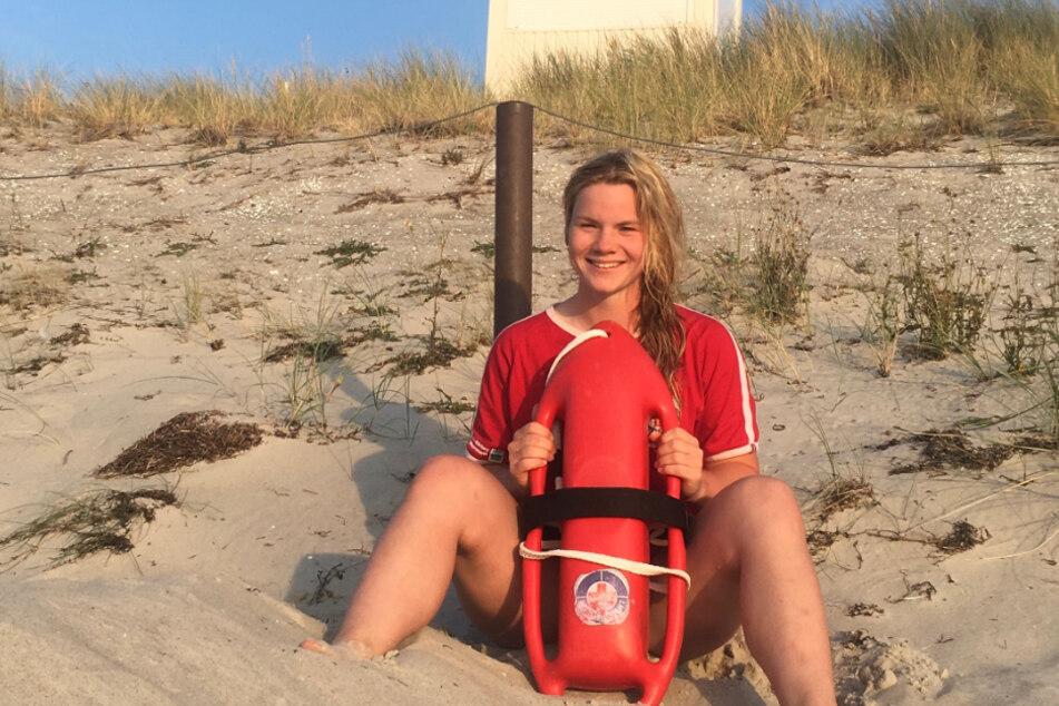 Lia Söder (21) von der Kreiswasserwacht Dresden.