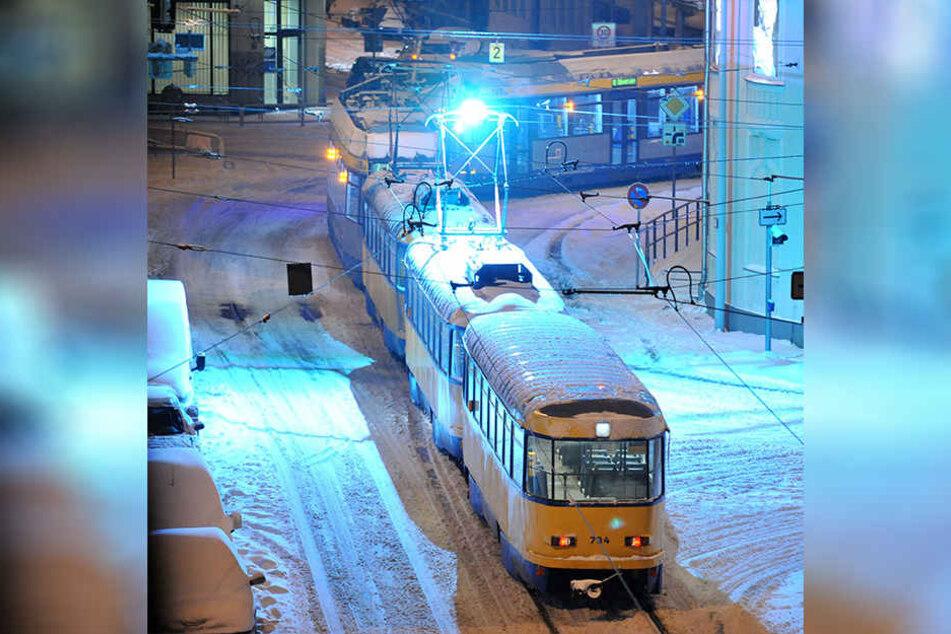 Die Leipziger Verkehrsbetriebe (LVB) meldeten am Montag Verspätungen, unter anderem wegen des großen Verkehrsaufkommens. (Archivbild)