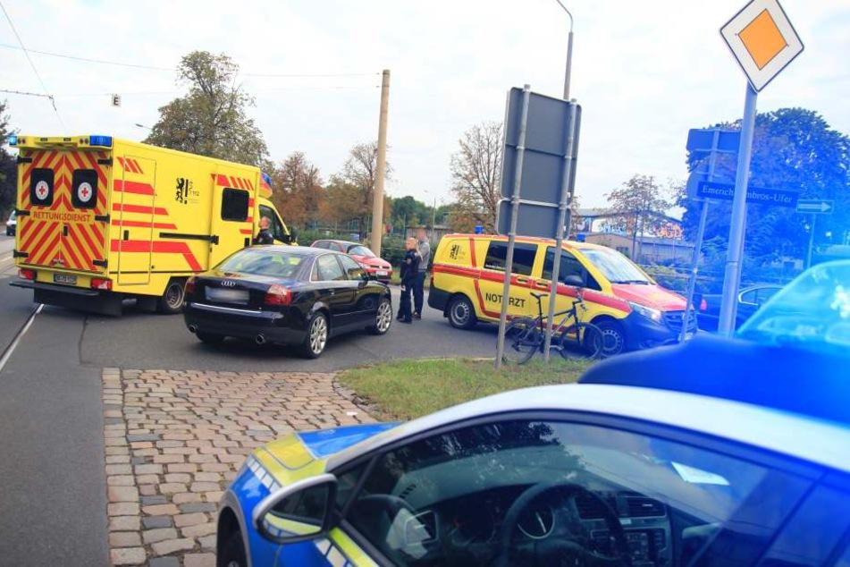 Durch den Unfall kam es zu zeitweisen Behinderungen im Straßenbahnverkehr.
