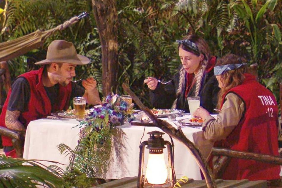 Sie haben es sich 16 Tage lang hart erkämpft: das erste gute und letzte Dinner im Dschungel.