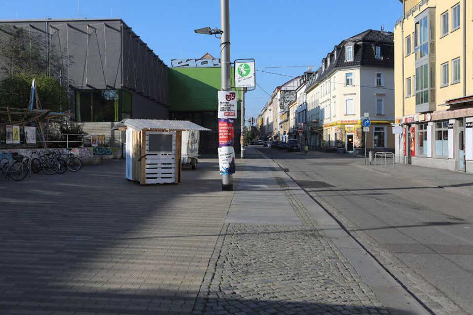 Die Auseinandersetzung ereignete sich auf der Alaunstraße in der Dresdner Neustadt.
