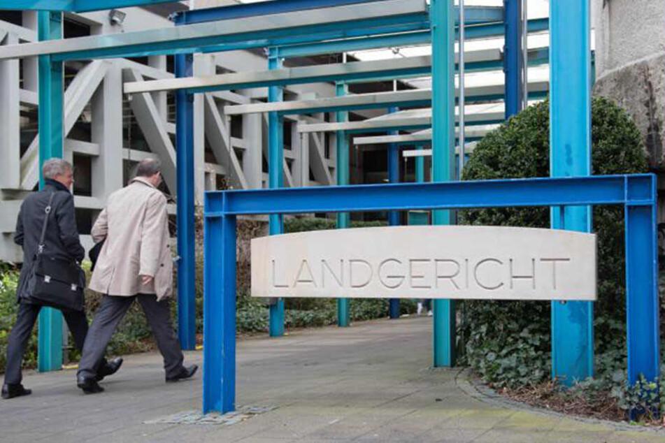 Vorm Landgericht Bielefeld muss sich der Angeklagt ab dem 7. Oktober verantworten.