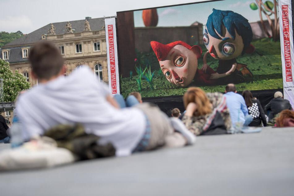 Die große Leinwand auf dem Stuttgarter Schlossplatz ist eins der Highlights auf dem Festival. (Archivbild)