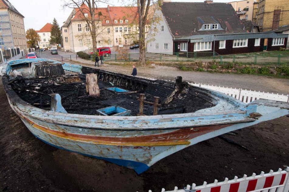 Es brachte hunderte Menschen nach Europa: Flüchtlingsboot in Wittenberg angezündet