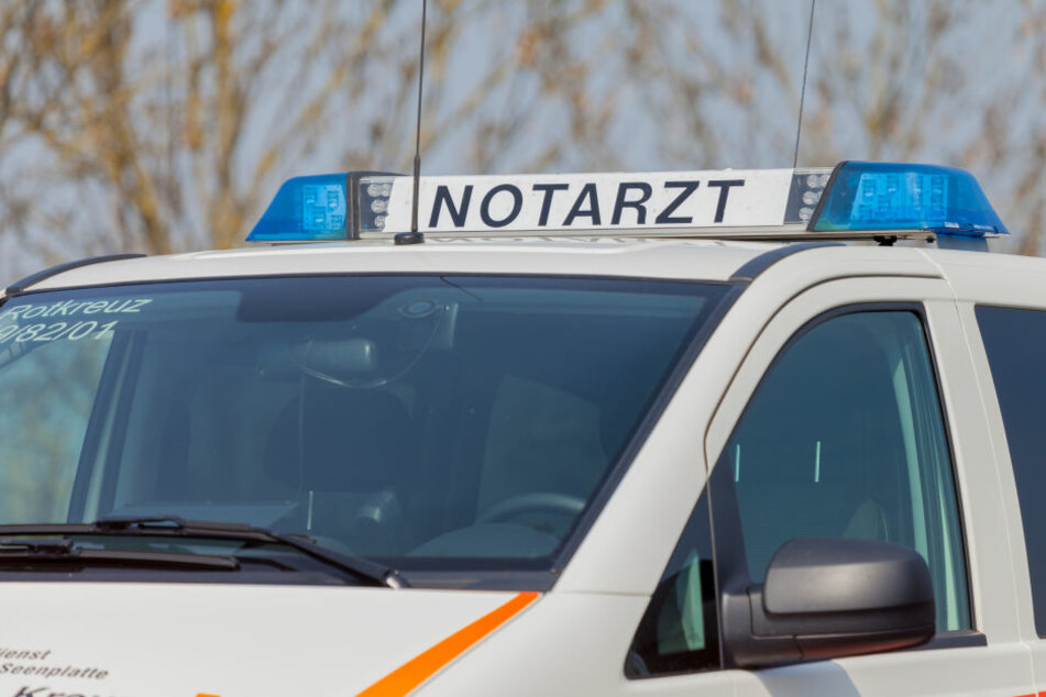 Beide Unfallbeteiligten wurden durch den Zusammenstoß verletzt (Symbolbild).