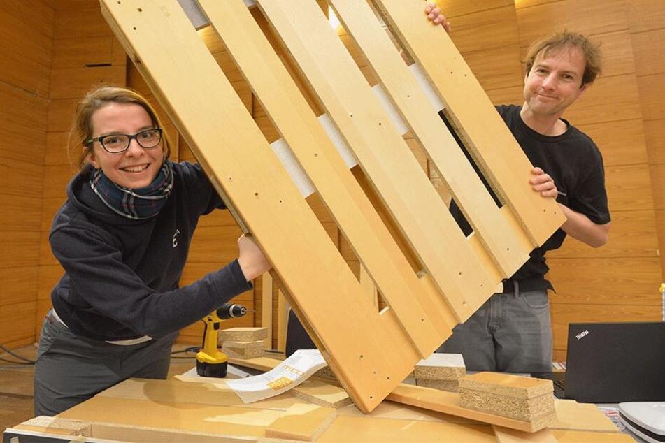 Maker Faire: Wir bauen aus alten Möbeln neue Paletten!