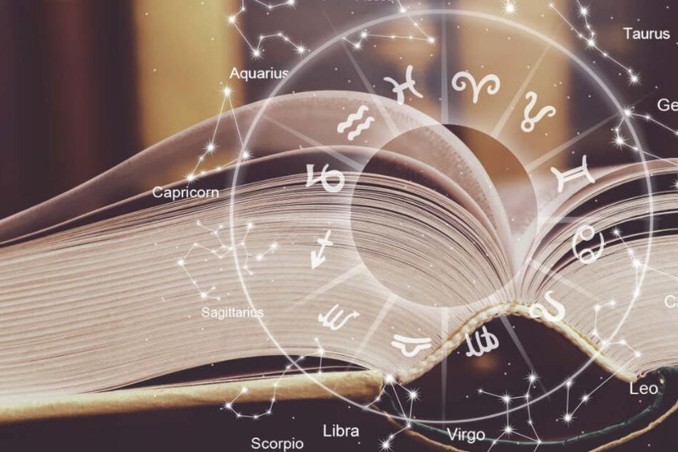 Astrologen lesen in den Sternenkonstellationen wie in einem Schicksalsbuch.