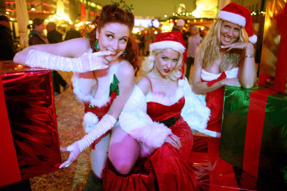 Auf dem Weihnachtsmarkt Santa Pauli geht es freizügig zu.