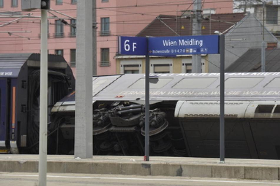 Warum es zu dem Unfall im Bahnhof Wien-Meidling kam, ist aktuell noch unklar.
