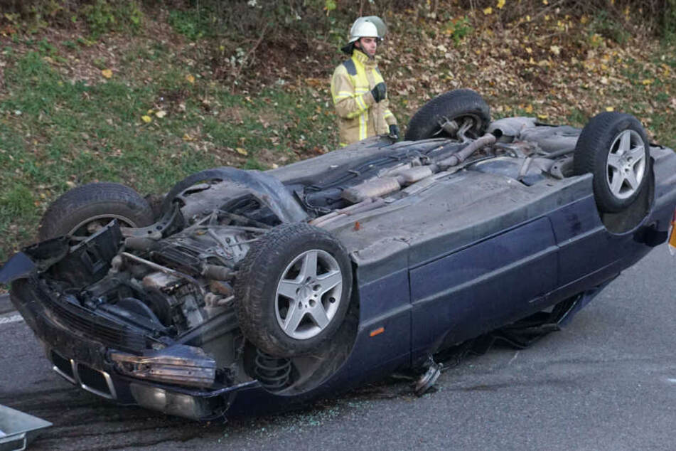 Als er die Böschung hinabgefahren war, überschlug sich der BMW.