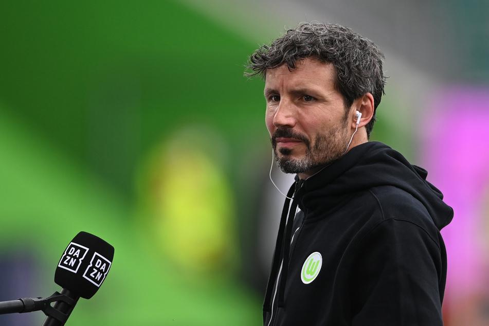 VfL-Trainer Mark van Bommel (44) ließ nach dem Spiel beste Genesungswünsche verlauten.