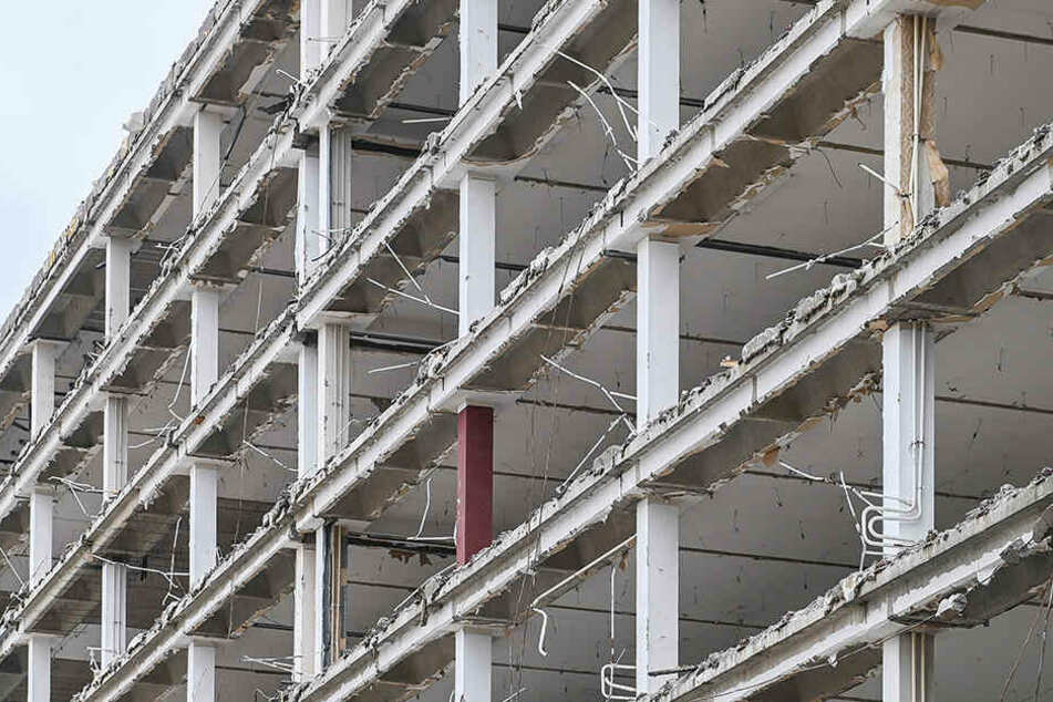 Vom ehemaligen VEB Energiebau steht nur noch das Beton-Gerippe.