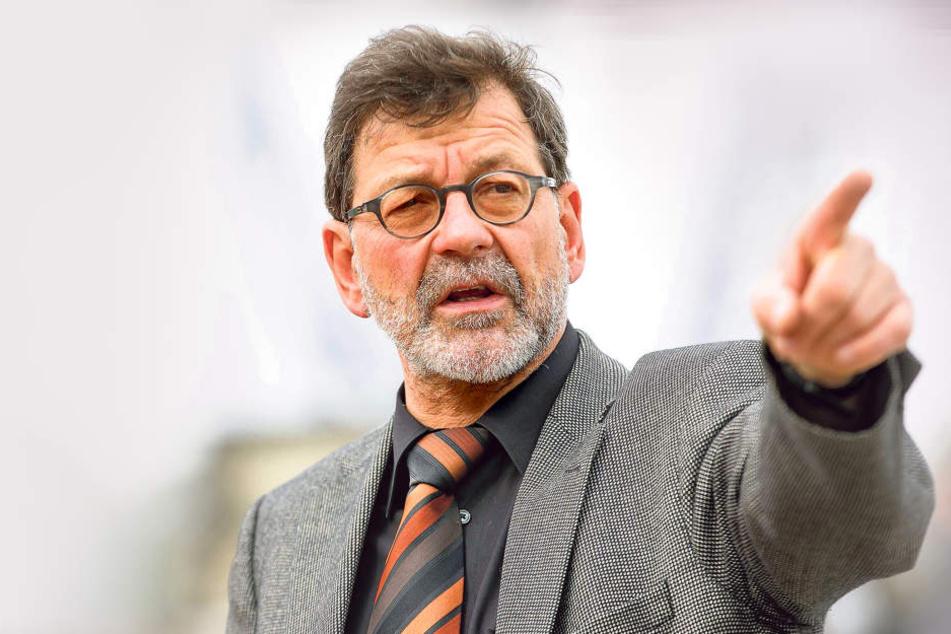 Setzt auch in Zukunft auf Grüne Pfeile: Reinhard Koettnitz (61), Chef des  Straßen- und Tiefbauamtes.