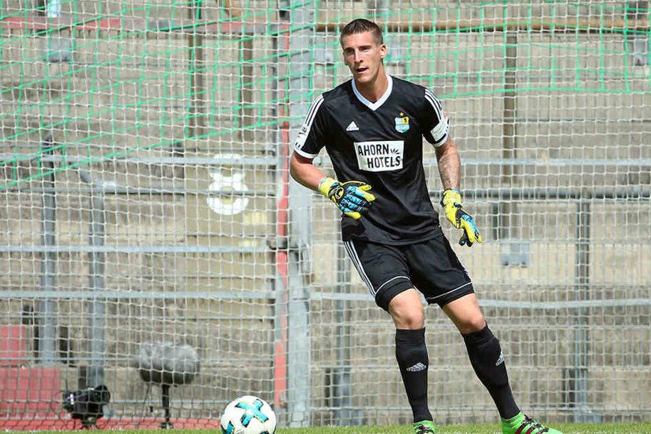 Schon zwölf Mal musste CFC-Schlussmann Kevin Kunz in dieser Saison hinter sich greifen - zuletzt in Unterhaching allein vier Mal.