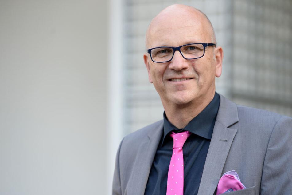 Präsident des Bayerischen Gemeindetags, Uwe Brandl (CSU) will eine Automaut für alle auf allen Straßen. (Archivbild)