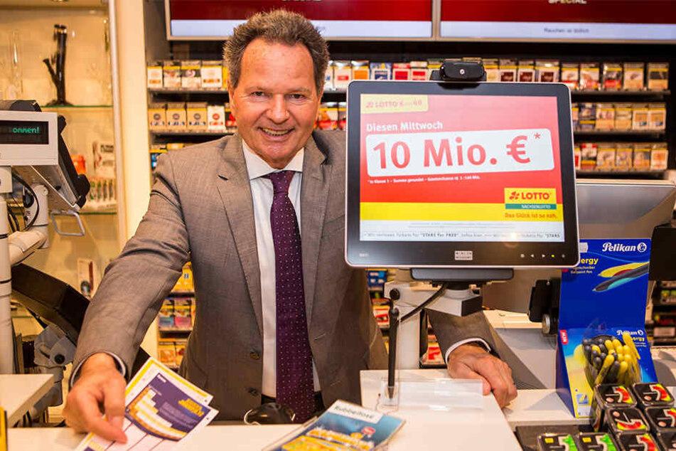 Sachsenlotto-Geschäftsführer Siegfried Schenek (60) warnt vor einem Kollaps des staatlichen Glücksspielsystems.