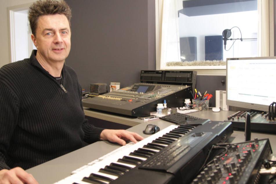 Dirk Fiebich (51) aus Löhne ist der Musikproduzent der Malle-Stars.