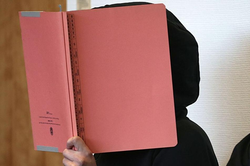 """Prozess um """"Sex-Sklavin"""": Angeklagte verurteilt, Richter """"erschüttert"""""""
