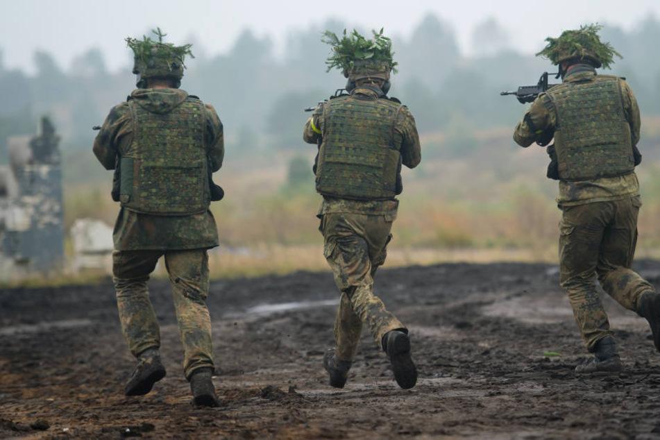 Abermals sind Soldaten in der Skandal-Kaserne überfordert und brechen eine Übung ab. (Symbolbild)