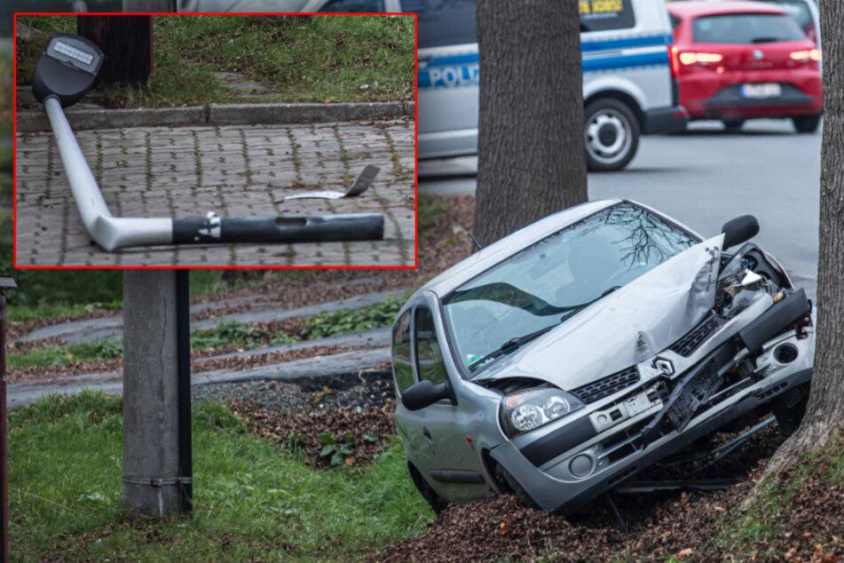 Laterne umgefahren! Renault-Fahrer kommt in Plauen von der Straße ab