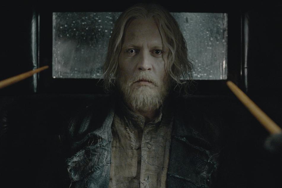 """Johnny Depp (57) spielte in der Filmreihe """"Phantastische Tierwesen"""" die Rolle von Gellert Grindelwald."""
