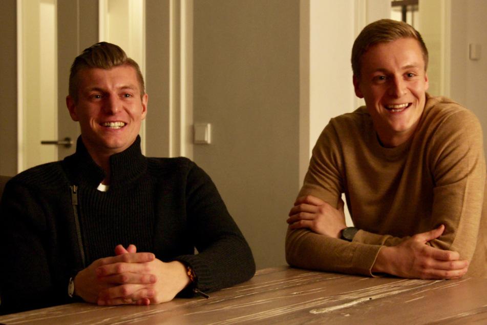 Toni Kroos (l.) hatte beim Dreh mit seinem Bruder Felix viel Spaß.