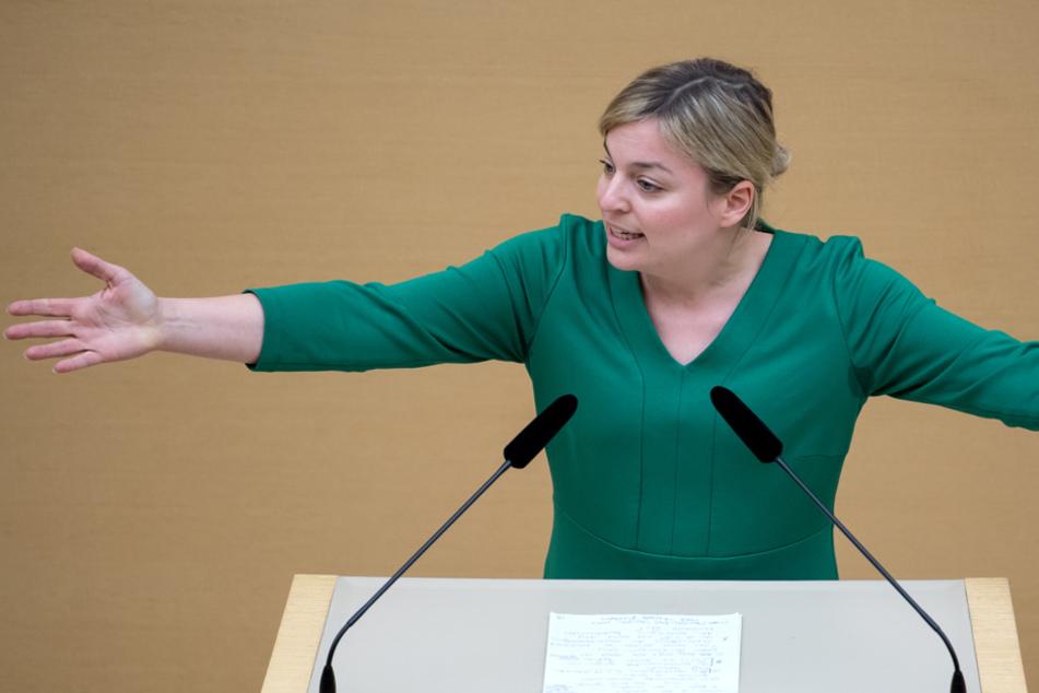 Grünen-Chefin Schulze fordert konkrete Maßnahmen gegen rechte Polizeibeamte