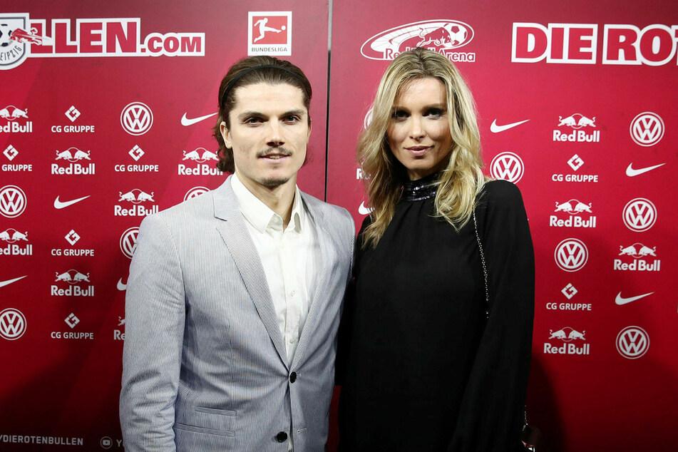 Katja Kühne (35) ist mit dem österreichischen Nationalspieler Marcel Sabitzer (26) von RB Leipzig verlobt.