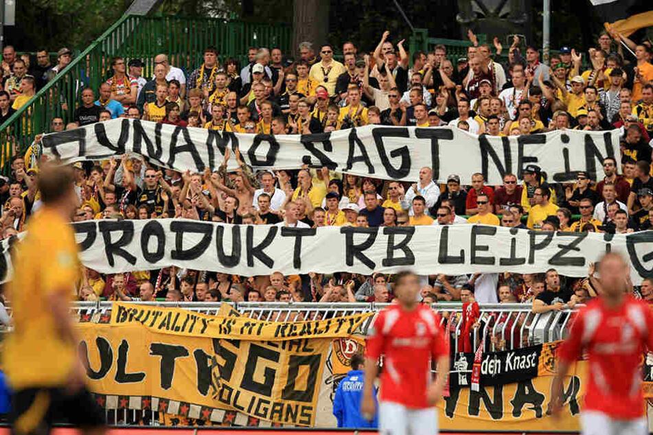 Schon vor Jahren machten die Dynamo-Fans klar, was sie von RB Leipzig halten.