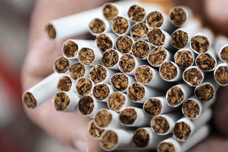 Über 200.000 Zigaretten stellten die Zollbeamten sicher.