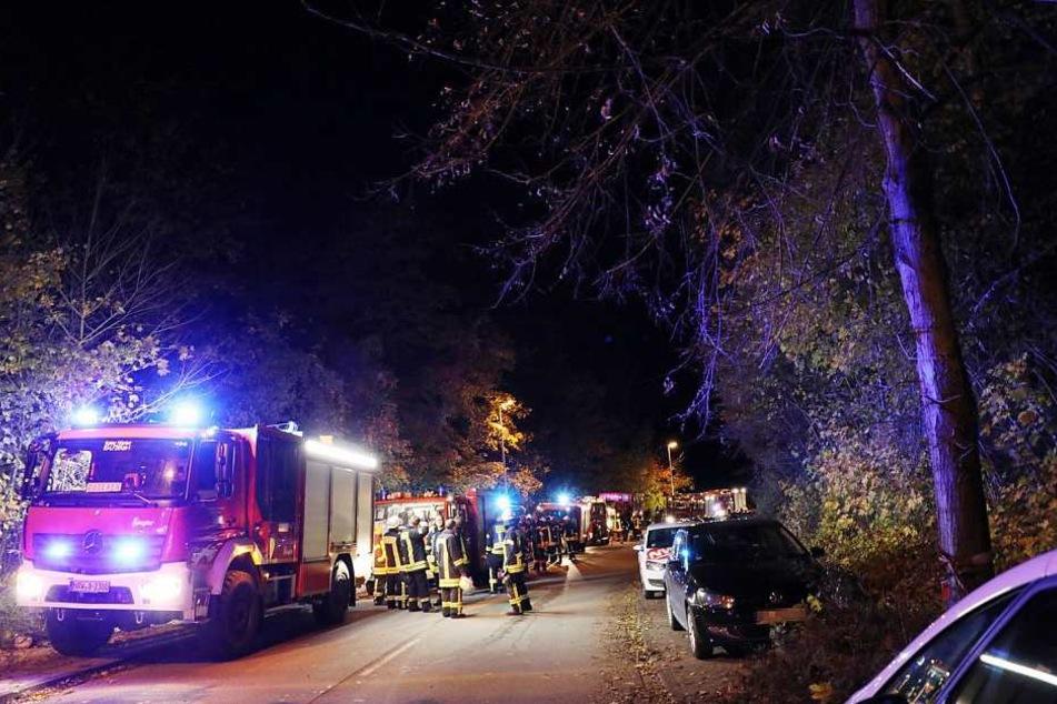 Etwa 120 Einsatzkräfte waren bei dem Großeinsatz der Feuerwehr dabei.