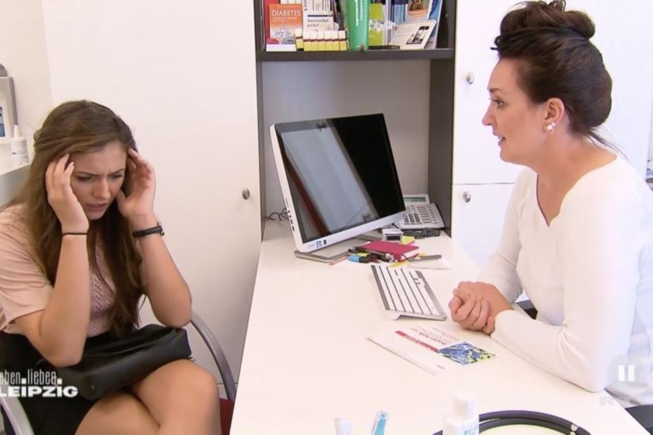 Janette bekommt von ihrer Frauenärztin freudig mitgeteilt, dass sie schwanger ist. Für Janette bricht eine Welt zusammen.