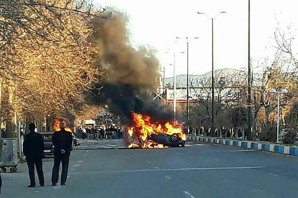 Die Proteste in Toyserkan, südlich von Hamadan, eskalieren am 03.01.2018.