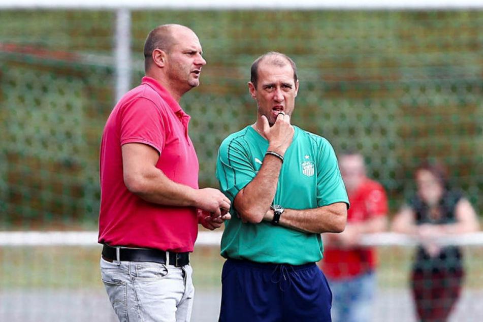 Sportdirektor David Wagner (l.) und Trainer Joe Enochs akzeptieren die Montagsspiele. Sie sollen aber mit Bedacht ausgewählt werden - so der Wunsch der Zwickauer.