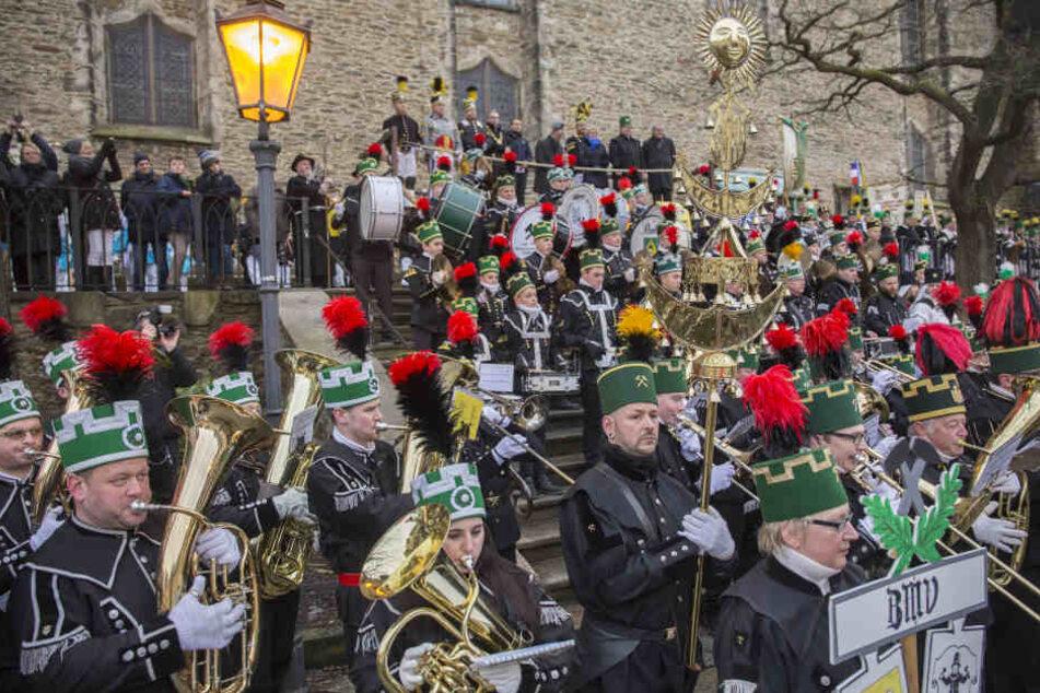 An der St. Annenkirche gab es zum Finale ein gemeinsames Konzert der Bergmusiker.