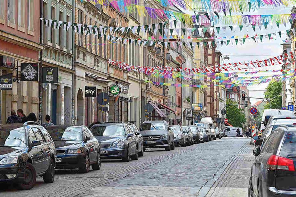 Wer in der Neustadt einen Parkplatz sucht, muss bereits jetzt ordentlich kurven.