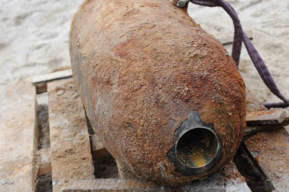 Am Berufskolleg wurde intensiv nach einer Fliegerbombe wie dieser gesucht. (Symbolbild)